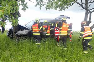 Autonehoda mezi Nivnicí a Březovou na Uherskohradišťsku, 29. května 2021.
