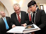 Miloš Zeman na krajské konferenci SPOZ v Panském dvoře v Kunovicích