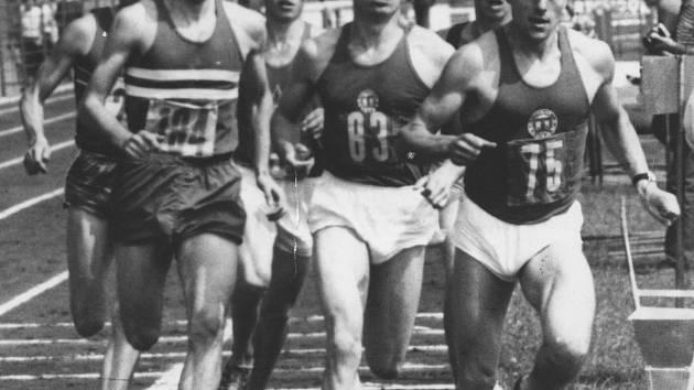 Krátce před vánočními svátky zemřel náhle v německém Stuttgartu Pavel Hruška (č. 83), výborný běžec, který své první atletické krůčky dělal ve Spartaku Uherské Hradiště.