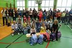 ZŠ Sportovní ve školním roce 2020/2021 bude navštěvovat celkem 653 žáků. Otvírá 3 první třídy s celkovým počtem 63 žáků. Třídními učitelkami letošních prvňáčků jsou Mgr. Alena Rajchlová – I.A, Mgr. Miluše Vosáhlová – I.B a Mgr. Hana Hochelová – I.C.