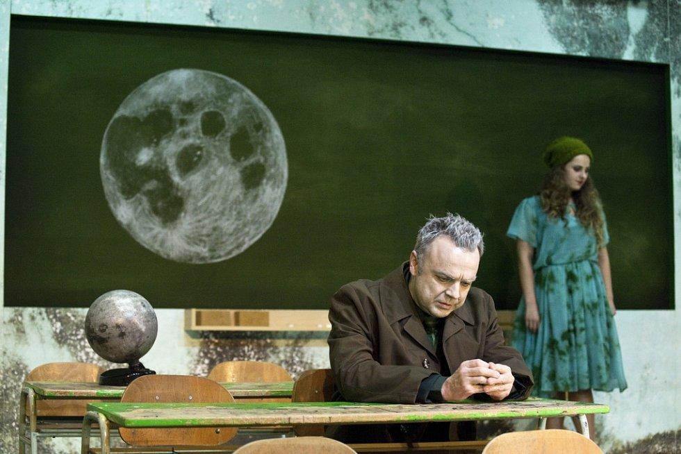 Měsíc nad řekou. Tomáš Šulaj, Petra Staňková.