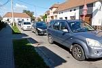 Kvůli objížďce Kunovic trpí řidiči v kolonách ve Véskách, v Míkovicích i na silnici I/50.