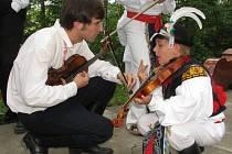 V prvním ročníku přehlídky vystoupilo sedm dětských folklorních souborů.