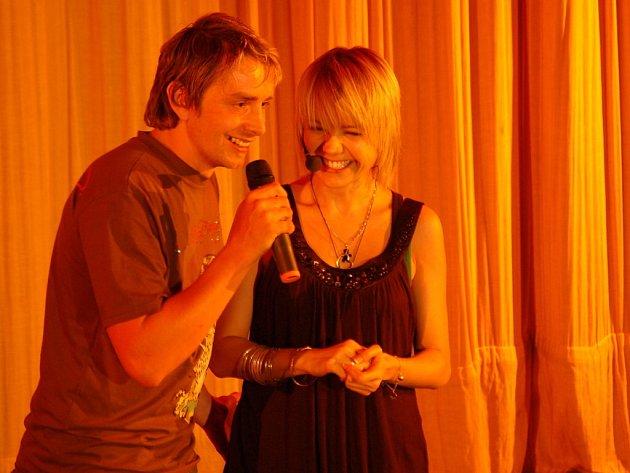 Populární zpěvačka Lucie Vondráčková zazpívala v hradišťském Klubu Kultury.