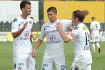 1. FC Slovácko B, zleva Martin Holek, Veliče Šumulikoski a Roman Haša. Ilustrační foto.