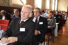 Bývalý ministr federální vlády Československa Jozef Mikloško je navzdory svému věku stále aktivní.