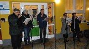 Ve Květné zpívali koledy na zahradě mateřské školy