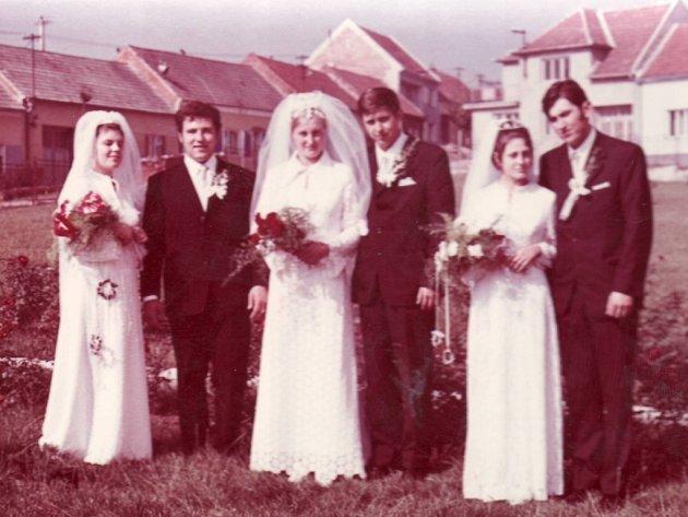 Svatba tří sourozenců Šimčíkových z Dolního Němčí, 2. října 1971.