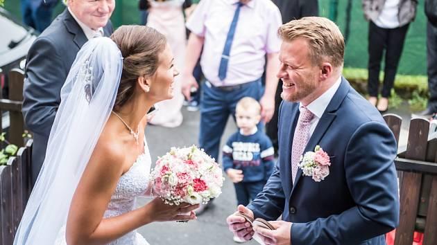 Soutěžní svatební pár číslo 110 - Ivonaa Josef Tomanovi, Leskovec