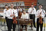 CM Bálešáci ze Starého Města doprovází výstavu tradičně.