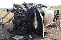 Z havarovaného Audi musel odvézt řidičku vrtulník.