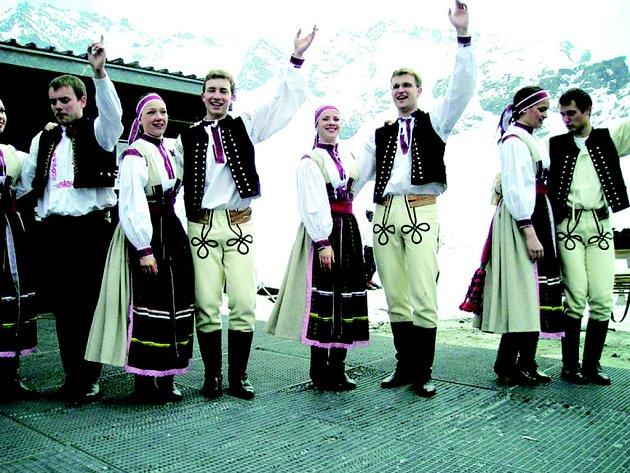 Folklorní soubor Cifra.