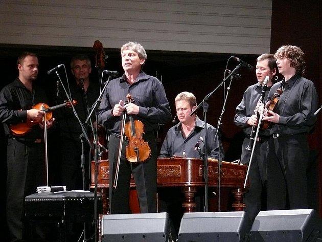 Jiří Pavlica a muzika Hradišťan.
