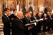 Ve velehradské bazilice si daly v neděli premiérové dostaveníčko pěvecký sbor Svatopluk, Pražský pěvecký sbor Smetana a Pěvecký sbor ČVUT Praha.