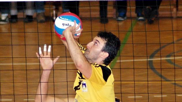 Dvaačtyřicetiletá nahrávačská ikona VSK Staré Město Libor Kamler už bude hrát volejbal pouze s kamarády v krajské lize. Věnovat se chce také synům.