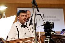 Harafica Symphonic, velikonoční koncert uherskohradišťské cimbálové muziky Harafica a Janáčkovy filharmonie Ostrava, sledovaly von-line prostředí desetitisíce lidí.
