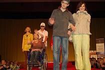 Charitativní módní přehlídka s názvem Hvězdy a móda