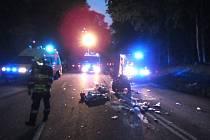 V buchlovských kopcích se srazila motorka s autem, dva zranění.