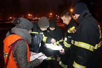 Dobrovolní hasiči z Přerova monitorují domácí chovy ptáků.
