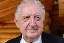 Tisková konference Strany práv občanů- Zemanovci v Osvětimanech.  František Čuba