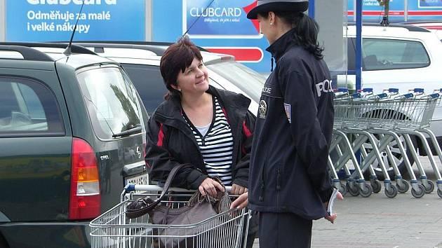 Lapkové se zaměřili na kabelky, policisté proto rozjeli informační kampaň.
