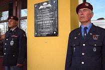 V Bánově odhalili pamětní desku válečnému hrdinovi Josefu Bublíkovi.