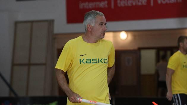 Trenér florbalistů Hluku David Vlachopulos si zahrál na domácím Slováckém poháru.