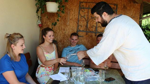 Otevřené vinné sklepy v uherskohradišťskéDerfli