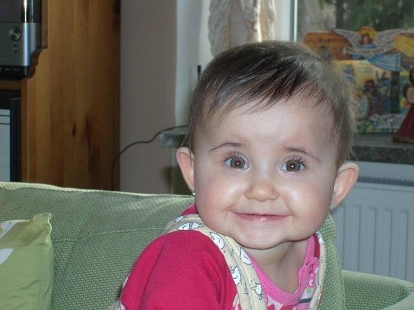 EMMA. Emičce je jeden rok a její úsměv okouzluje každého.