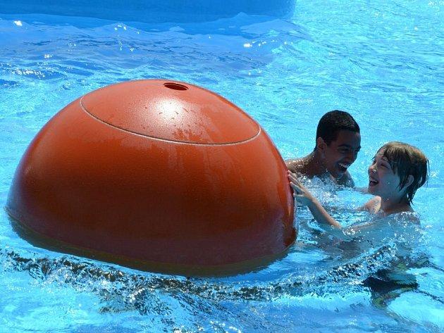 Počasí v sobotu konečně dovolilo otevřít venkovní část uherskohradišťského aquaparku