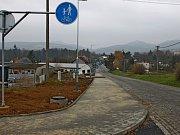 Mezi Buchlovicemi a průmyslovou zónou vybudovali zbrusu novou cyklostezkou.