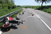Těžké zranění utrpěl čtyřiatřicetiletý muž, který jel na své silniční hondě v neděli 19. května po deváté hodině ranní do Nedachlebic.