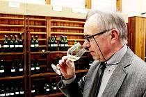 Traplický degustátor vín Josef Bičan.
