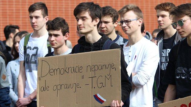 Studentská výstražná stávka Vyjdi ven v Uherském Hradišti
