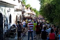 V sobotu se sešlo v kudlovickém vinném žlebu na pět stovek vinařů z Moravy.