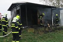 Požár chaty u Tupes