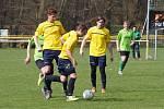 Osmnáctiletý Jonáš Kočica hraje hokej za juniory zlínských Beranů a ve fotbale nosí dres Prakšic-Pašovic.