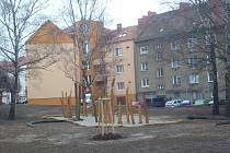K prázdnému štítu v ulici Tůně v Uherském Hradišti chtějí radní nechat připojit další stavbu. Obyvatelé čtvrti vyjádřili nesouhlas s tímto krokem peticí.