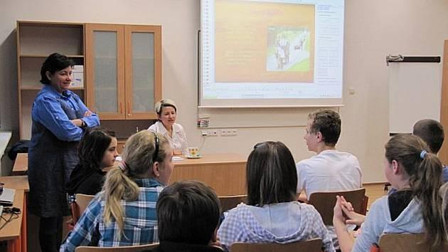 Každá zapojená třída se setkala s různými tématy projektu celkem čtyřikrát během školního roku.