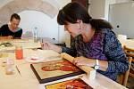 IKONOPISECTVÍ. Kurz se uskutečnil krásném prostoru baziliky za účelem uchovávání a šíření tradiční techniky psaní ikon.