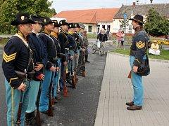 Parta nadšenců, která se věnuje z hlediska času období americké občanské válce a oživení 9. illionské kavalerie.