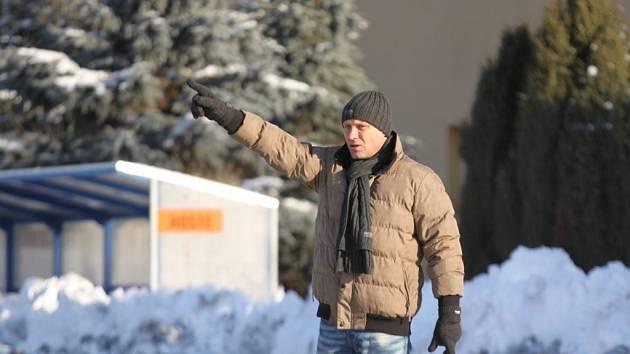 František Ondrůšek patří mezi impulzivní trenéry, během utkání toho příliš nenasedí.