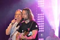Buchlovické publikum si užilo koncert skupiny Kryštof, jako předkapela vystoupili Airfare.