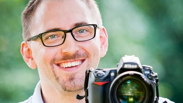 Michal Mikláš se ve volném čase věnuje nejraději fotografování.