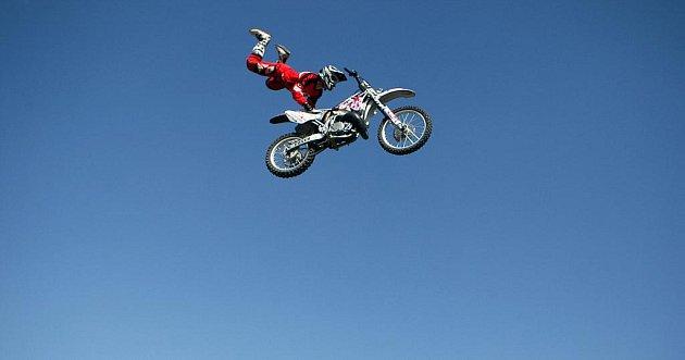 Hluk ve středu 24. srpna hostil 3.ročník motokrosové show Funstorm Freestyle Jam.