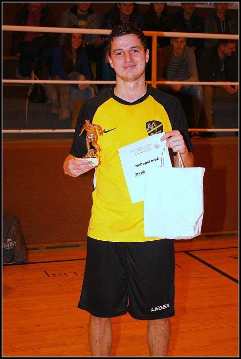 Jakub Svízela každý rok hraje halové turnaje, kde patří mezi nejlepší hráče.