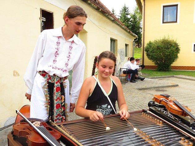 Buchlovice zažily první ročník akce Zažij folklor.