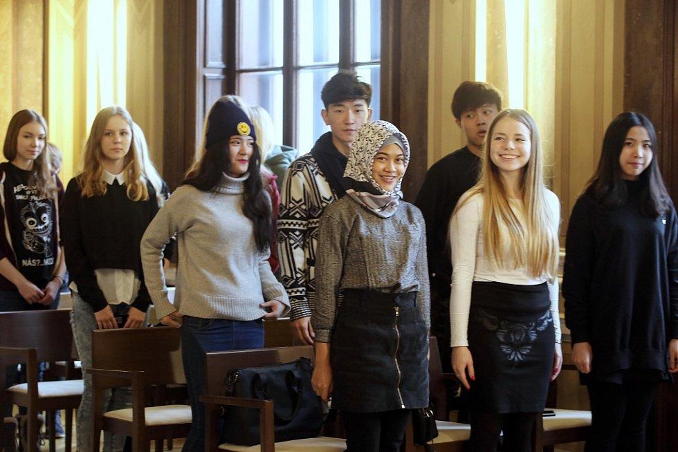 Přijetí zahraničních studentů z projektu Edison na radnici v Uherském Hradišti.