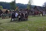 NA ŽIVOT A NA SMRT. Tak budou bojovat mezi sebou vojáci o slovanskou vesnici na Modré
