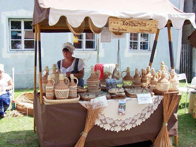 S výrobky Hany Špalkové se lidé setkávají také na četných jarmarcích lidových řemesel.